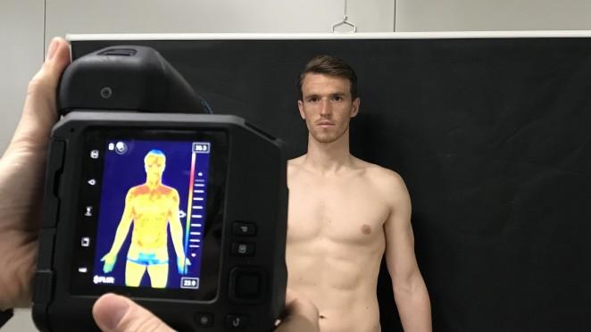 Equipo de fútbol español Real Oviedo evaluado mediante termografía infrarroja